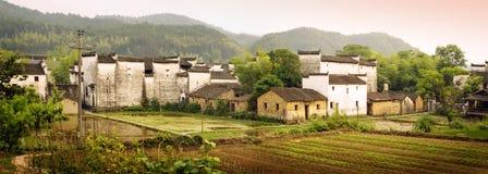 Chinees plattelandspanorama bij zonsondergang royalty-vrije stock afbeeldingen
