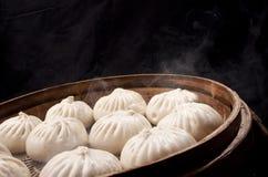 Chinees voedsel, gestoomd broodje Stock Foto