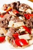 Chinees voedsel--Paddestoel en rundvlees Royalty-vrije Stock Afbeeldingen
