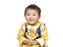 Chinese babyjongen met traditioneel kostuum Royalty-vrije Stock Afbeeldingen