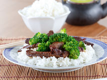 Chinese beef and broccoli on rice Royalty Free Stock Photos