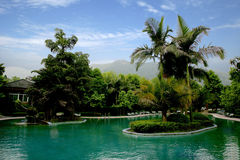 Chinese beroemde toeristen toneelvlek Chongqing East Hot Springs Spa hemel Stock Afbeeldingen
