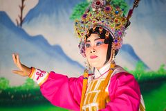Chinese die opera voor een maan nieuwe jaarviering wordt uitgevoerd Royalty-vrije Stock Foto