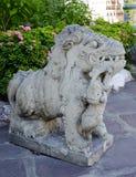 Chinese dierlijke beschermer bij het Doen leunen van de Tempel van Boedha (Wat Pho) Stock Afbeeldingen