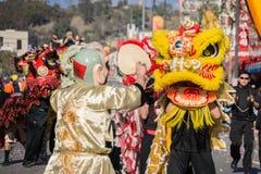 Chinese draak tijdens Gouden Dragon Parede. Royalty-vrije Stock Foto