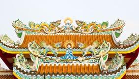 Chinese Draken op het dak van tempel Stock Foto