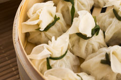Chinese dumplings in bamboo steamers Royalty Free Stock Photos