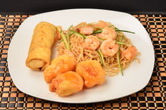 Chinese food. Combination of Chinese food with vegetables and pasta with shrimp Royalty Free Stock Photos