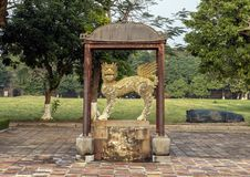 Chinese het beeldhouwwerk Keizerstad van de beschermerlijn, Citadel, Tint, Vietnam stock foto's