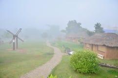 Chinese huizen bij het Culturele Dorp van Yunnan Stock Afbeeldingen