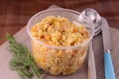 Chinese keuken - gebraden rijst met vlees en papper Stock Afbeelding