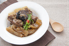 Chinese keuken, rundvleeshutspot en rundvleespees Royalty-vrije Stock Foto's