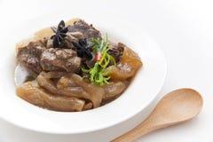 Chinese keuken, rundvleeshutspot en rundvleespees Royalty-vrije Stock Afbeeldingen