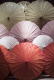 Chinese kleurrijke paraplu's clouse-omhoog stock afbeelding