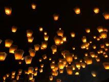 Chinese lantaarns tijdens het lantaarnfestival stock foto's