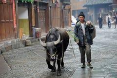 Chinese Miao nationaliteitslandbouwer Stock Afbeeldingen