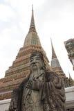 Chinese Militair Statue die Watprachetuponwimonmangklaram Te bewaken Stock Fotografie