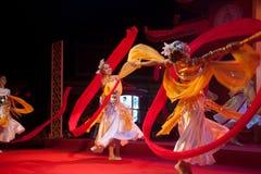 Chinese moderne dans in Chinees nieuw jaar. Stock Afbeeldingen
