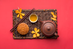 Chinese moon cake - Vienamese moon cake Royalty Free Stock Images