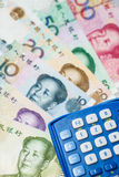 Chinese munt en calculator Royalty-vrije Stock Afbeelding