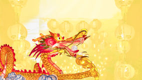 Chinese nieuwe jaardraak met lantaarns Stock Fotografie