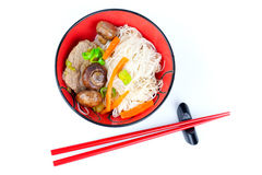 Chinese noodles with beef and vegetables Royalty Free Stock Images