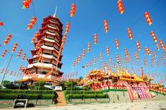 Chinese pagode en lantaarns tijdens Chinees nieuw jaar Stock Foto's