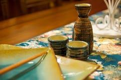 Chinese pot en eetstokjes Royalty-vrije Stock Afbeeldingen