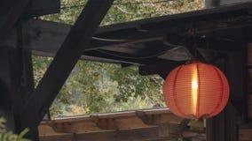 Chinese rode lantaarns voor op het hout royalty-vrije stock afbeelding