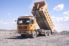 Chinese Shacman-stortplaatsvrachtwagen stock fotografie