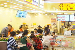 Chinese snack shop, people in the enjoyment of Food Stock Photo