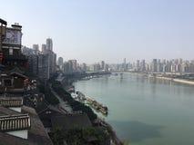 Chinese Stad en Riviermening royalty-vrije stock afbeelding