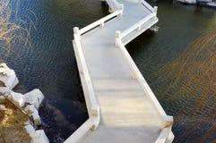 Chinese stijl windende brug Stock Afbeeldingen