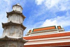 Chinese stijlpagode in boeddhistische tempel Stock Foto