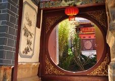 Chinese Tempel om poort Royalty-vrije Stock Fotografie