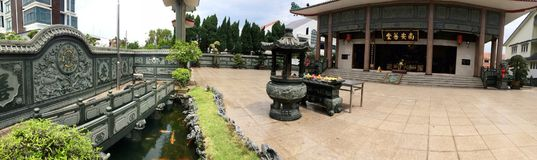 Chinese temple courtyard - Nam Ann Siang Theon Building Royalty Free Stock Images