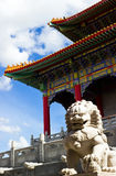 Chinese temple with sculpture Royalty Free Stock Images