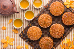 Chinese - Vietnam moon cake and tea Royalty Free Stock Photography