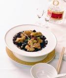 Chinese voedsel en wijn Stock Afbeeldingen