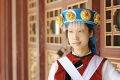 Chinese vrouw Naxi royalty-vrije stock afbeeldingen