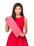 Chinese Woman hold with blank red paper Royalty Free Stock Photos