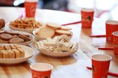 Chinesekuchen und -gebäck für Hochzeitstag Lizenzfreie Stockfotografie