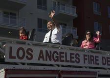 Chinesisch-amerikanische LA Feuer-Abteilung bewegt bei 115. goldenem Dragon Parade, Chinesisches Neujahrsfest, 2014, Jahr des Pfe Lizenzfreies Stockfoto