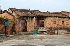 Chinesische alte Volkshäuser in der Landschaft Stockfotografie