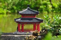 Chinesische Architektur - Teich Stockfoto