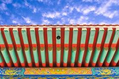 Chinesische Art des traditionellen Dachs stockfotos