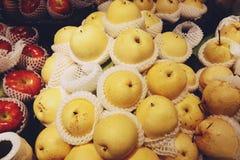 Chinesische Birne im Frischmarkt stockbilder