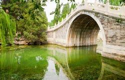 Chinesische Bogen-Brücke Stockfotos
