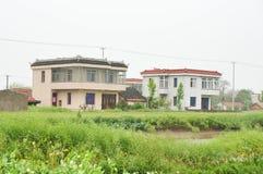 Chinesische Dorfhäuser und Ackerland Lizenzfreies Stockbild