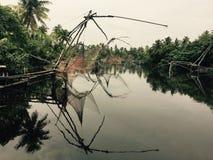 Chinesische Fischernetze, Kerala, Indien lizenzfreie stockfotos
